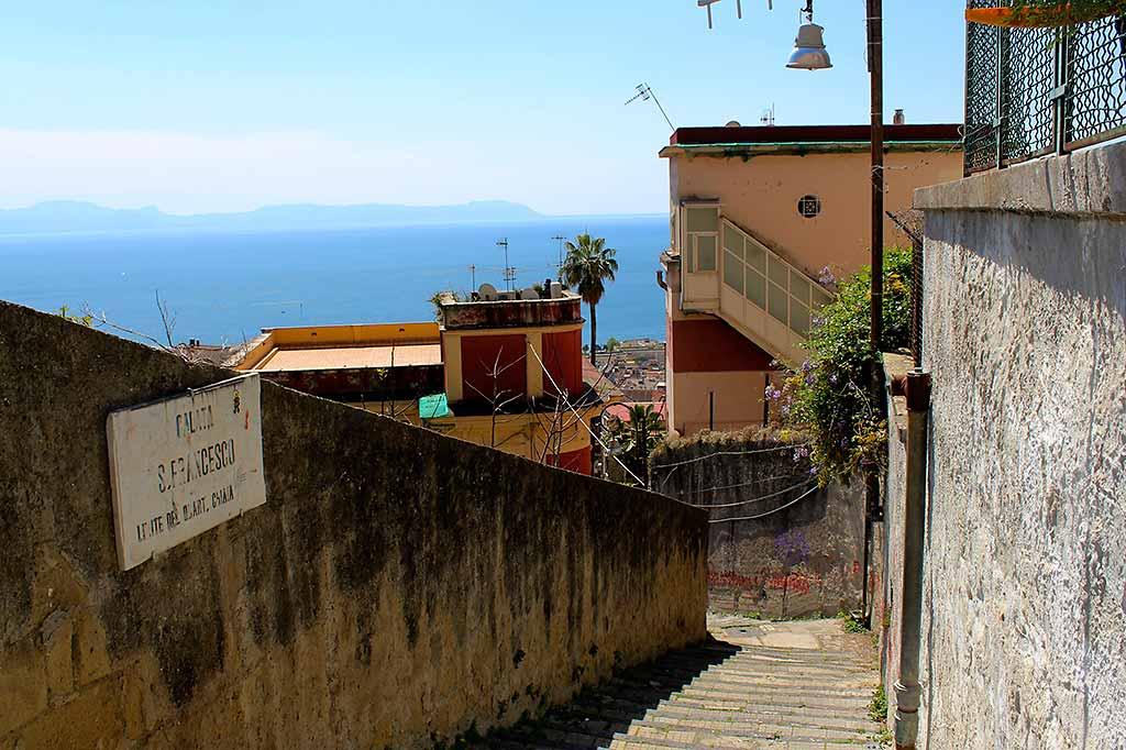 napoli-scalinate-calata-san-francesco
