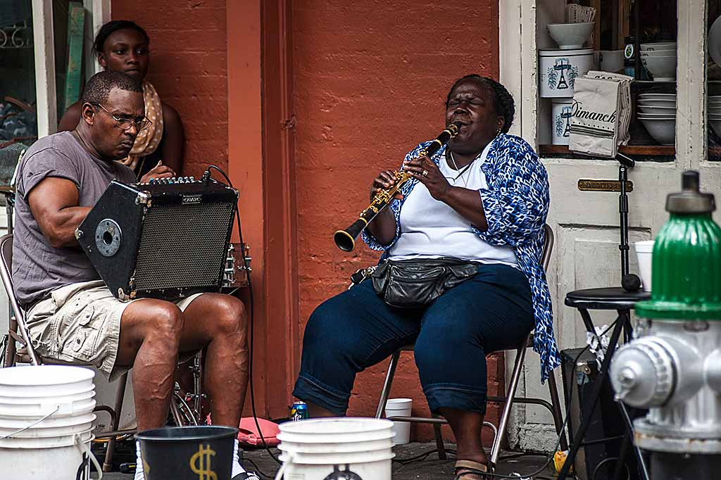 new-orleans-bourbon-street-musica