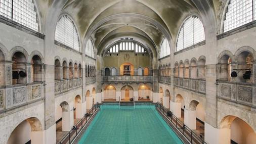 Berlino. Nuova vita alla famosa piscina di fine 800