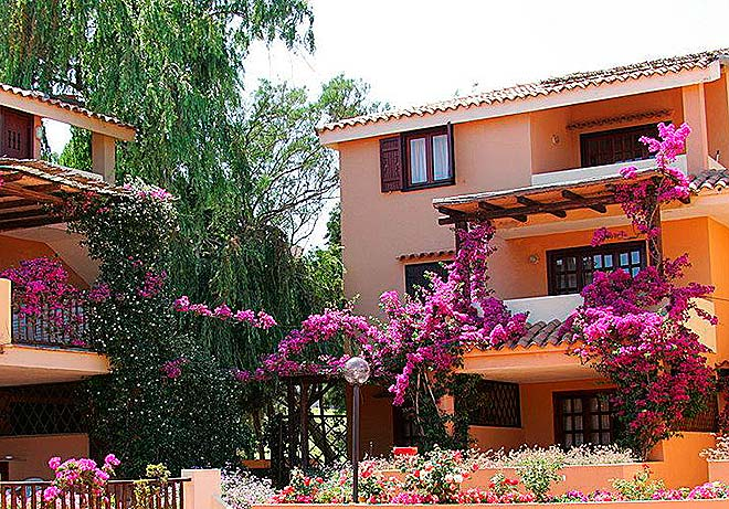 piscina_Residence_Bouganvillae