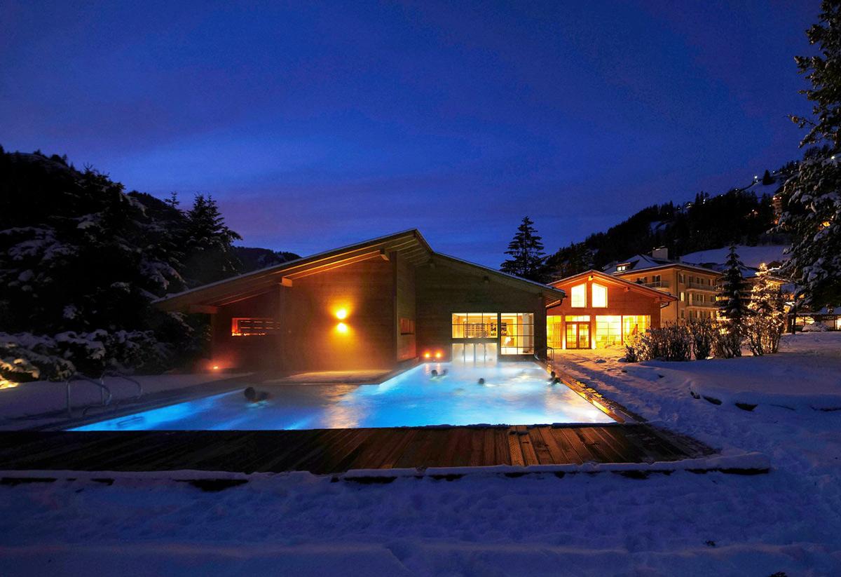 piscine riscaldate in inverno la top 6 latitudes. Black Bedroom Furniture Sets. Home Design Ideas