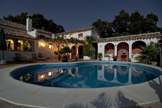 Soggiorni low cost e vacanze gratis con l\'house sitting