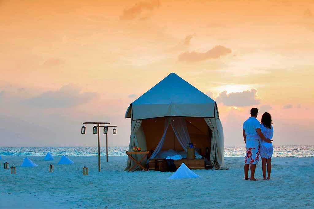 soneva-maldive-Sand-bank-overnight-experience