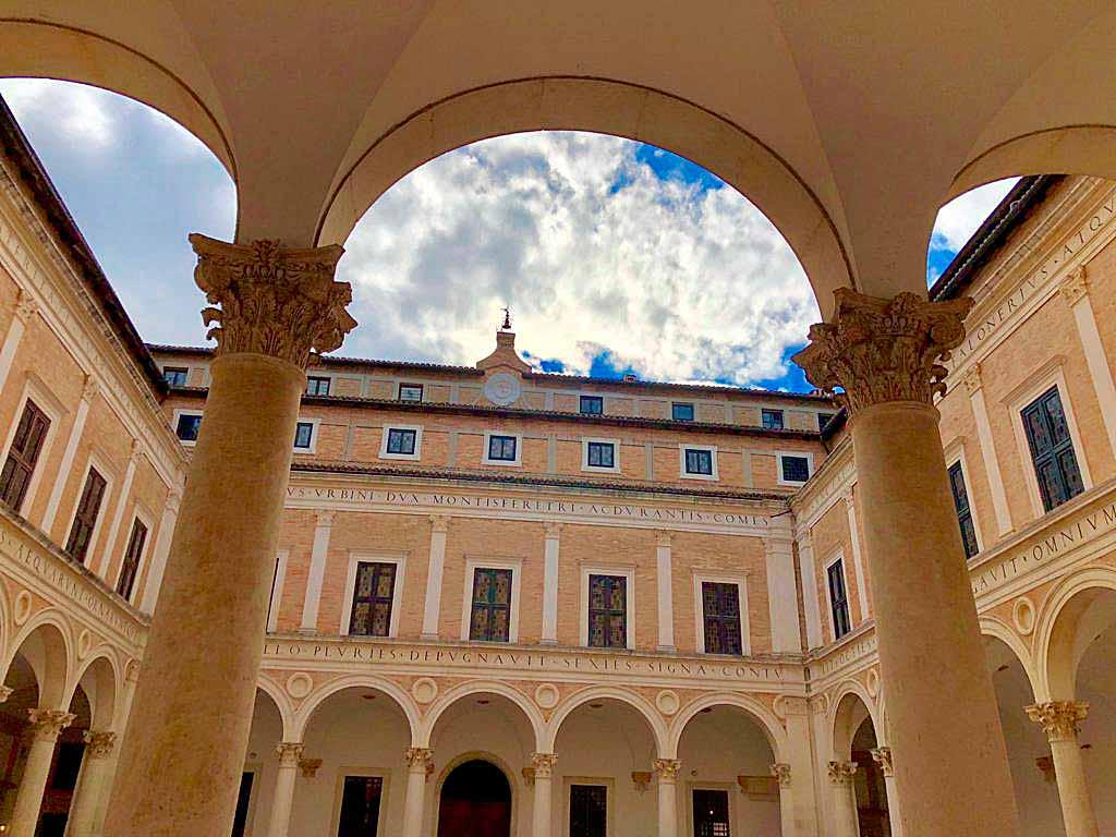 urbino-palazzo-storico