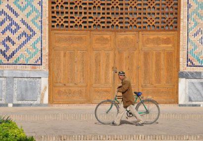 Uzbekistan, il fascino della storia si specchia nelle madrasse